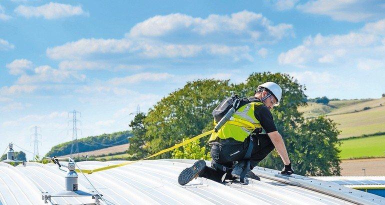DIBt-Zertifizierung für Dachanker bietet Arbeitssicherheit. Bild: MSA Latchways