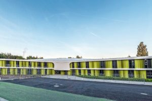 Schmutzabweisende Dach- und Dichtungsbahn für Neubau einer Jugendherberge in Bayreuth