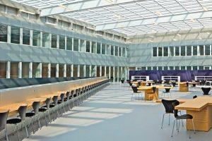 Kautschukböden für Bildungseinrichtungen. Bild: Philippe Ruault
