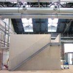 Einbauten wie die WC-Anlagen in ein Veranstaltungszentrum