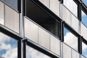 Photovoltaik in der Balkonbrüstung