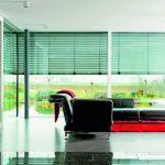 Sonnenschutz gegen das Ausbleichen von Möbeln und anderen Einrichtungsgegenständen muss auch bei Abwesenheit der Bewohner funktionieren. Bild: Elero