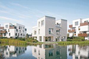 Duschrinnen entwässern nahezu unsichtbar im gehobenen Wohnbereich. Bild: Stofanel Investment AG