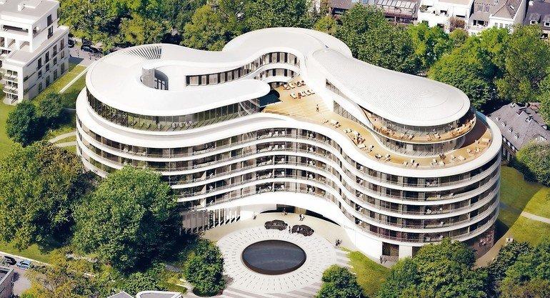 Maßgeschneiderte Lösungen für hochwertige Luftauslässe beim Neubau eines Hotels in Hamburg