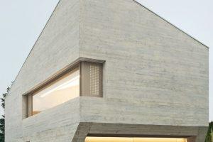 50 cm Leichtbeton-Außenwände für Neubau eines Wohnhauses in Pliezhausen bei Reutlingen. Bilder: Brigida Gonzalez