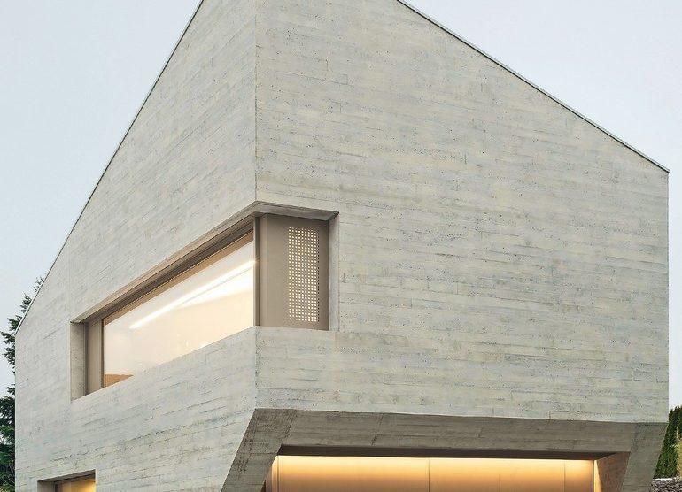 50 cm Leichtbeton-Außenwände für Neubau eines Wohnhauses in Pliezhausen bei Reutlingen