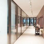 Glastrennwände für Neubau eines Bürogebäudes in Berlin. Bild: Lindner