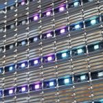 Metallgewebe plus LED für transparente Medienfassade. Bilder: Haver & Boecker