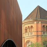 Die Raumkanten des Gastropavillons greifen die ehemalige Platzsituation um die Johanneskirche herum auf. Bild: Christian Pohl GmbH