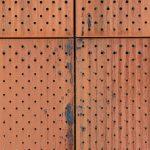 Die rostfarbene Patina verleiht dem Gebäude einen ganz besonderen Charme. Bild: Christian Pohl GmbH
