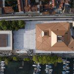 Obersicht auf die Stadthalle in Lindau