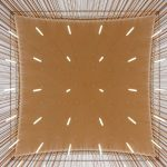 Die Metalldachkonstruktion sorgt zusammen mit der innenliegenden filigranen Holzlamellen-Verkleidung für eine besondere Lichtstimmung. Bild: Stefan Effenhauser (Stadt Regensburg)