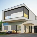 Wohnhaus mit textilem Sonnenschutz von Beck+Heun