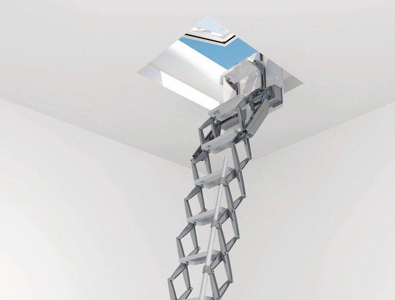 Dachausstieg Treppe flachdachausstieg als kombination scherentreppe und dachoberlicht