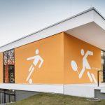 Fassade einer Sporthalle. Bild: Fermacell