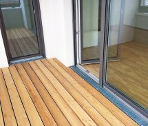 Rinnen für barrierefreie Entwässerung auf Balkonen und Terrassen