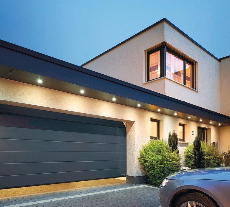Garagen-Sectionaltor: 67 mm-Lamelle sorgt für bessere Wärmedämmung. Bilder : Hörmann
