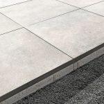 Bodenplatten für den Außenbereich mit entsprechendem Unterbau. Bild: Kann Baustoffwerke