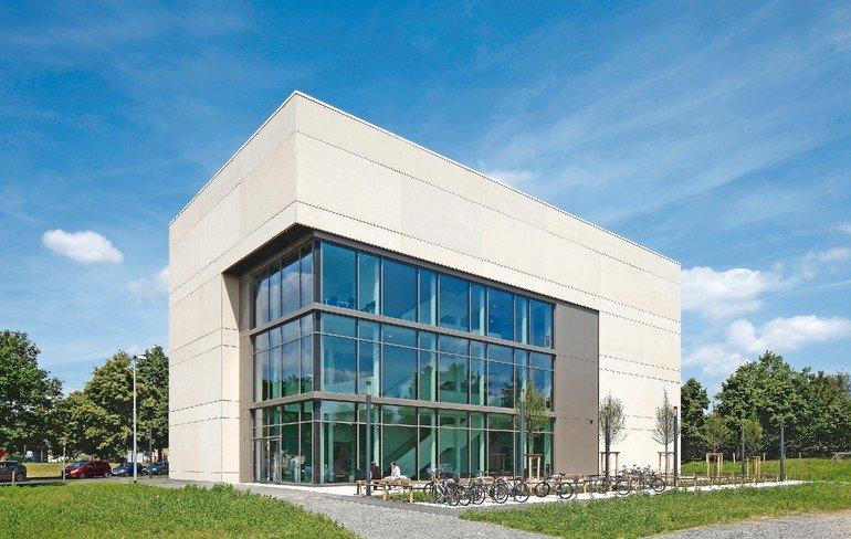 Neues Seminargebäude an der Uni Gießen von der pbr Planungsbüro Rohling AG, Osnabrück. Bilder: Hans-Jürgen Landes