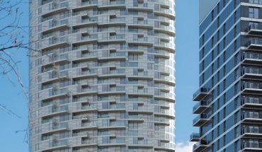Verbundsicherheitsglas für Balkonbrüstungen in London. Bild: Schollglas   Eugene Codjoe