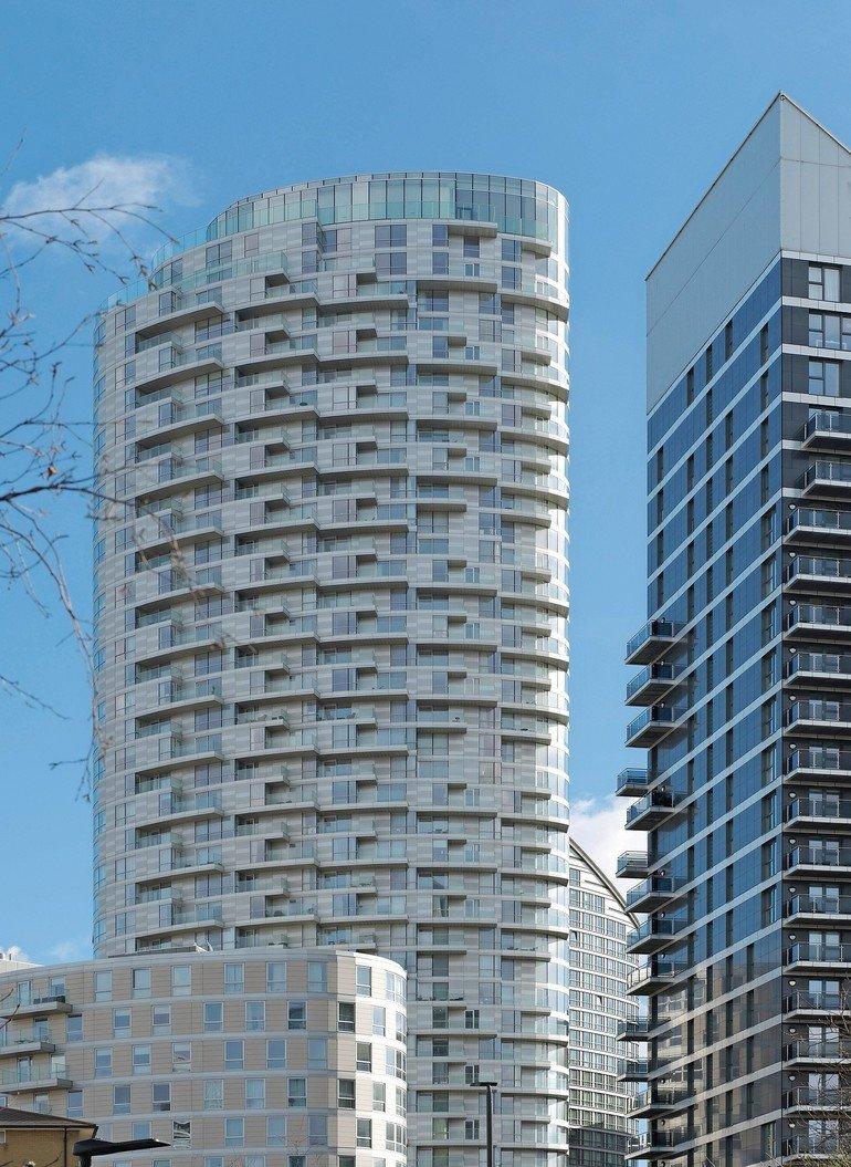 Verbundsicherheitsglas für Balkonbrüstungen in London. Bild: Schollglas | Eugene Codjoe