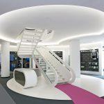 In Zusammenarbeit mit Kasel Innenarchitekten hat Nautilus eine anspruchsvolle Stahlwangentreppe für ein Ladengeschäft in Leipzig entwickelt. Bild: concept + bild / Martina Pipprich