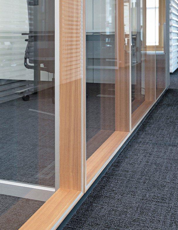Structural-Glazing mit Echtholz