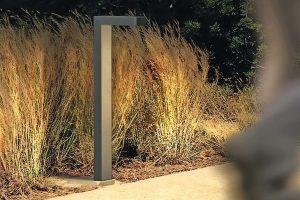 """Die von Renzo Piano für das Stavros Niarchos Kulturzentrum (Athen) entwickelte Pollerleuchte """"Lander"""" ist nun fester Bestandteil des Produktportfolios von iGuzzini."""