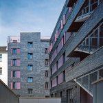 Formklinker mit plastischer Relief-Struktur für Wohnhaus in Berlin. Bilder: Ebba Dangschat