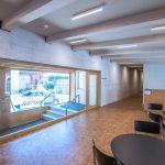 Im neuen Bürotrakt ist neben Sichtbeton Holz das Material der Wahl. Bild: HeidelbergCement
