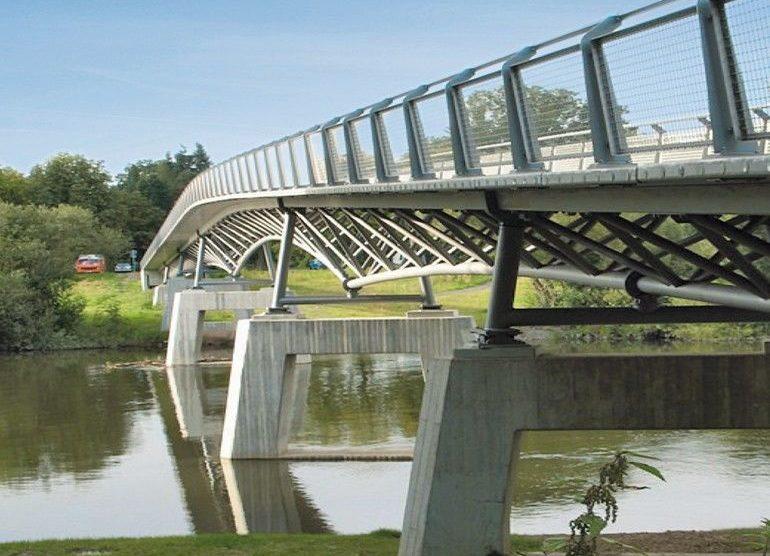 Betonplatten der Gärtnerplatzbrücke in Kassel