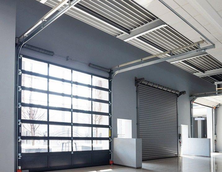 """Das Industrie-Sektionaltor """"MakroPro 2.0"""" von Wisniowski vereint Wärmeschutz, Sicherheit, Haltbarkeit, Einbruchschutz sowie einfache Montage. Bild: Wisniowski"""