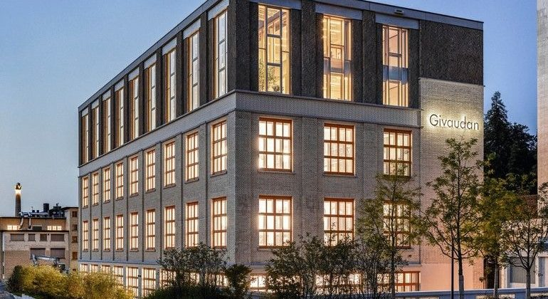 Außenansicht Givaudan Business Center in Kemptthal/Lindau