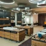 Showroom in moderner Betonoptik