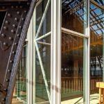 Stahlprofile schaffen neue Pavillons für Umnutzung.