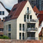 Absturzsichere Befestigung von französischen Balkonen in der Leibung bodentiefer Fenster