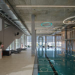Vorbehandelte Stahlprofile im Poolbereich.