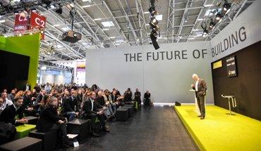 Vom 14. bis 19. Januar findet in München die BAU 2019 statt. In den Foren halten Experten aus aller Welt hochkarätige Vorträge zur Zukunft des Bauens. Bild: Messe München