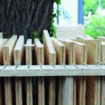 Die Teilgewindeschraube Heco-Ufix kam zur Befestigung der Furniersperrholzplatten zum Einsatz. Selbst bei stirnseitiger Verschraubung spaltet sie das Holz nicht. Bild: Johannes Belz