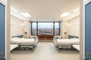 Infektionssicheres Zweibettzimmer im Krankenhaus