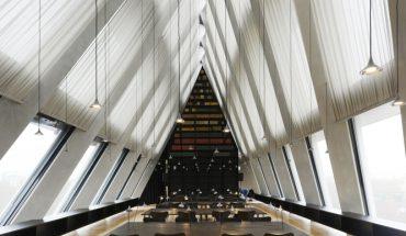 Das Beleuchtungskonzept der Feltrinelli Foundation in Mailand entwickelte das Architektenduo Herzog & De Meuron für Artemide. Bild: Michele Nastasi